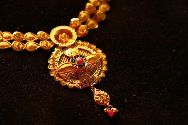 bijoux or anciens